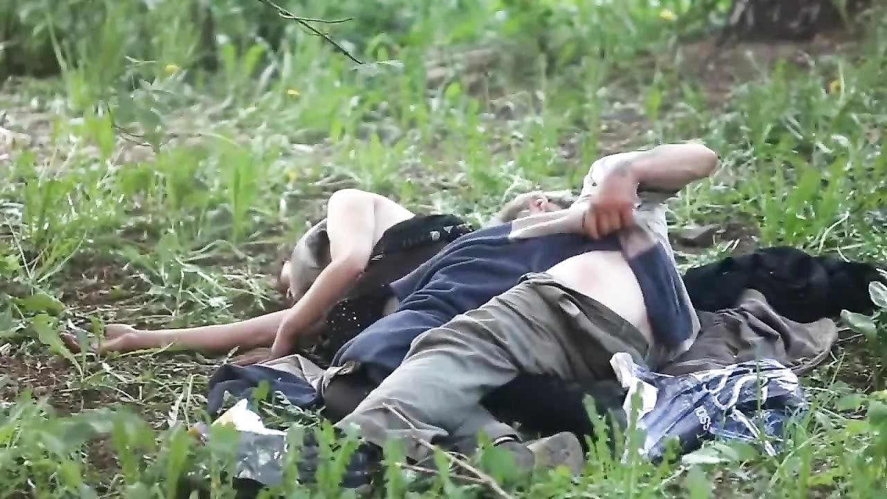 Видео извращенный секс с бомжами