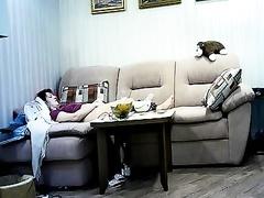 Скрытая камера в комнате у мамы