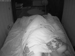 Ночью жене захотелось секса