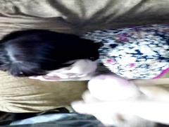 Чуть не спалился мастурбируя перед лицом спящей сестры