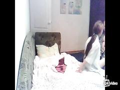 Толстопузый мужлан трахает молодую по принуждению - Русское порно