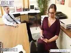 Настоящее порно расследование за женушкой, которая любит сосать чужие члены