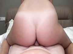 Секс с шикарной брюнеткой от первого лица